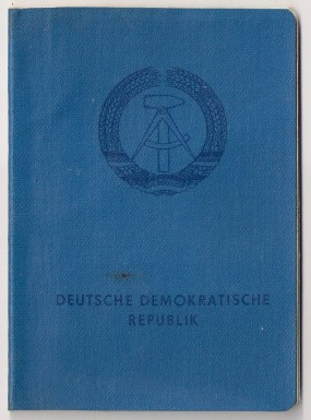 Personalausweis_DDR_-_Einband